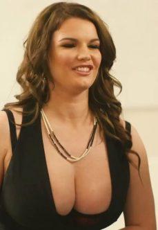 Gerçek Büyük Göğüsler Erotik Filmi